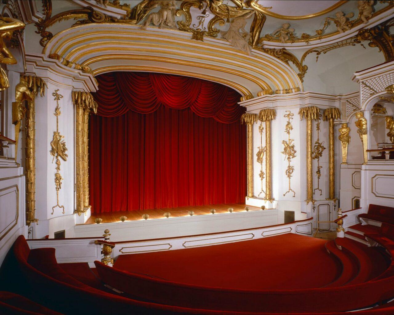 Schlosstheater Buhne C Spsg Foto Hans Bach Klein